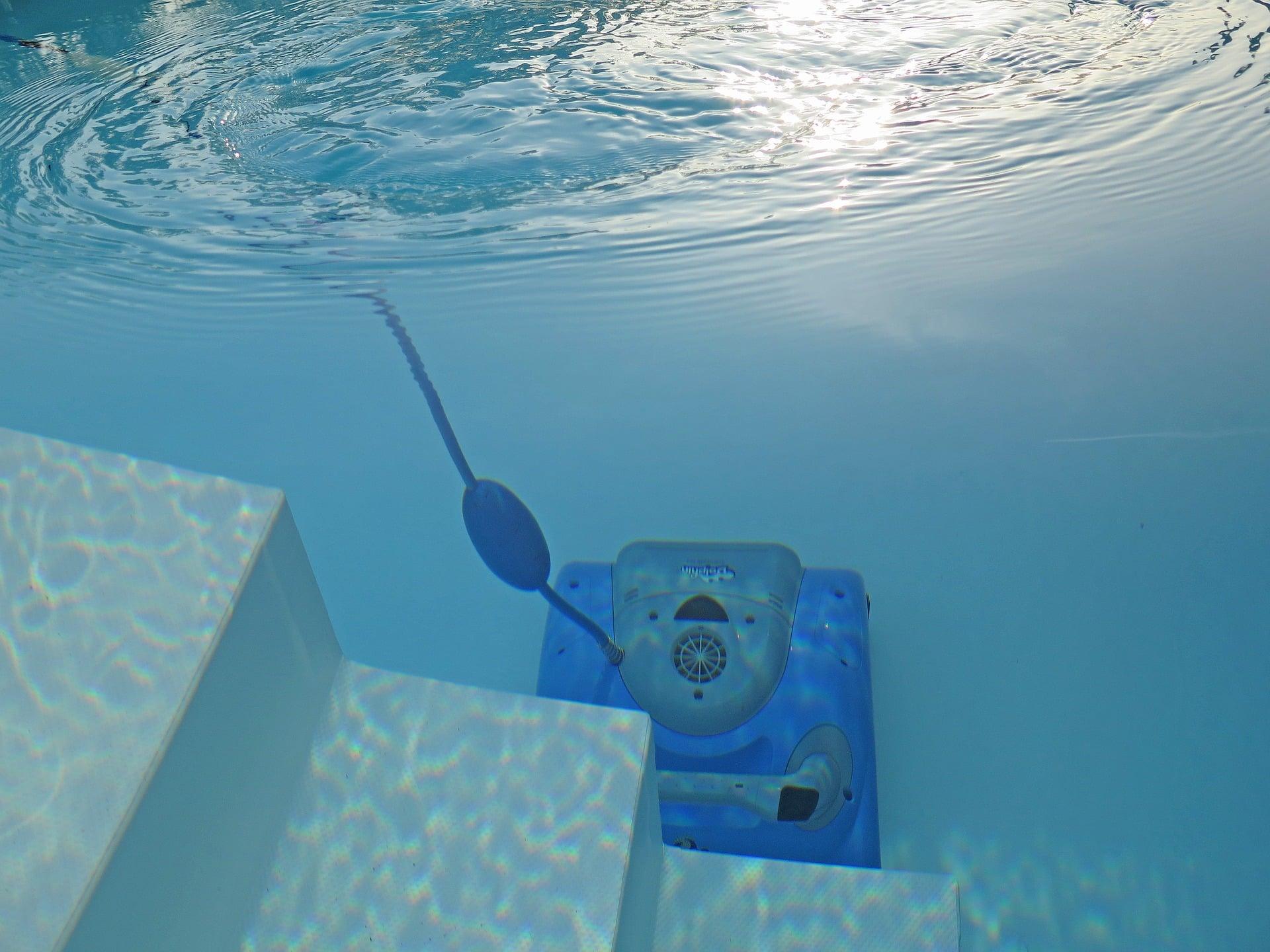 Robot piscine pour les celles qui sont enterrées - un indispensable pour vous faciliter la vie